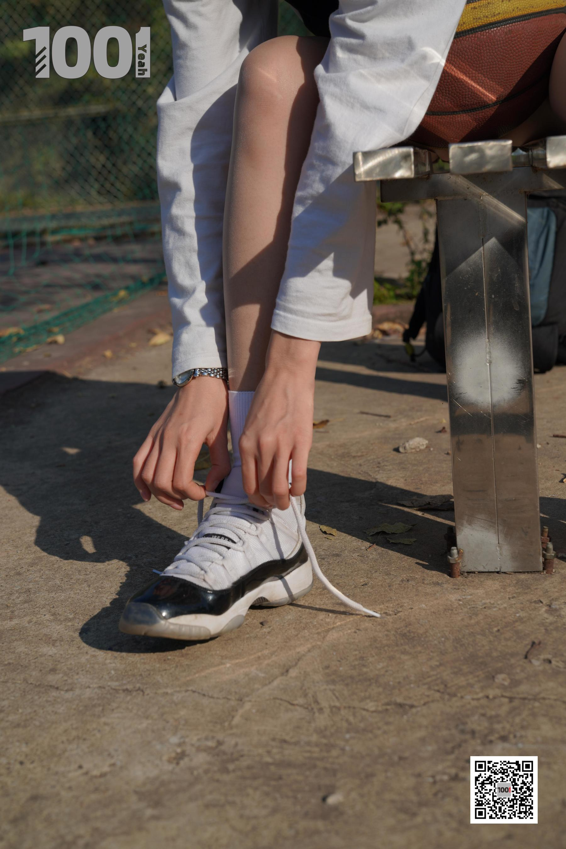 图片[11] - [IESS一千零一夜] 模特:草莓《陪女朋友打篮球4》 美脚丝足写真集[90P] - 唯独你没懂