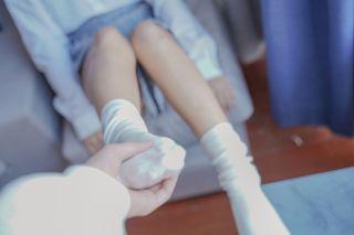 《裸腿制服裙》 [喵糖映画] VOL.047 写真集[44P]   Page 1/4