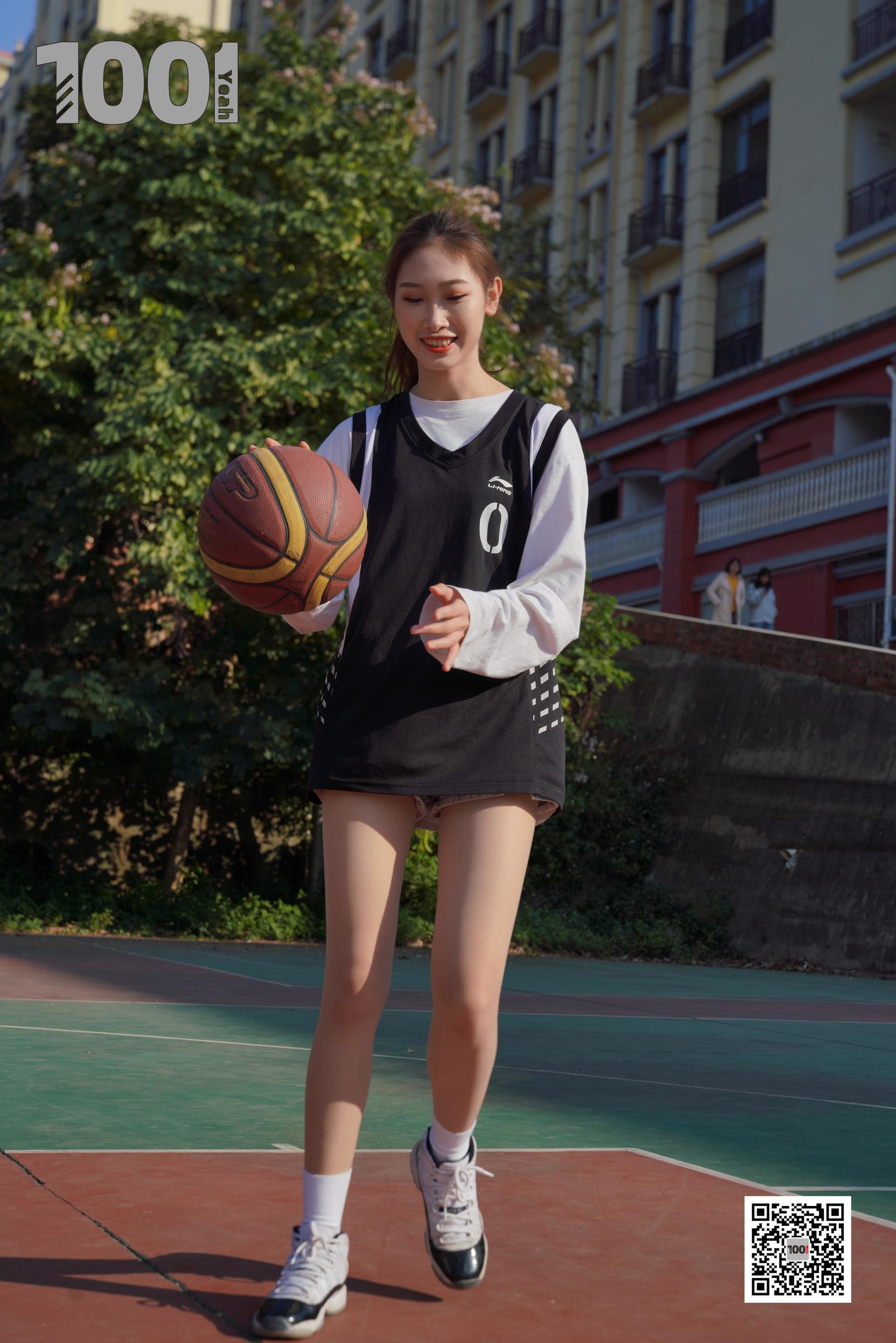 图片[12] - [IESS一千零一夜] 模特草莓《陪女朋友打篮球2》 丝袜美腿写真集[90P] - 唯独你没懂