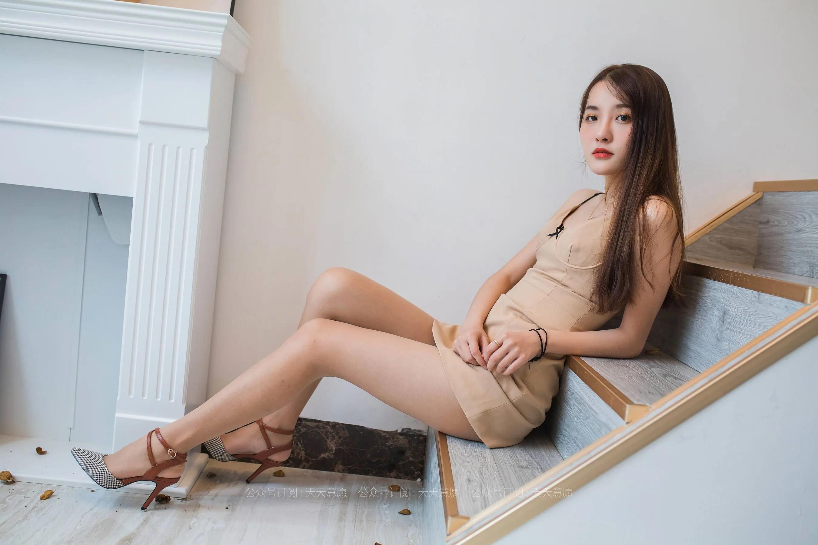 [IESS] 丝享家 770 婉萍《邻家甜美女孩》 丝袜美腿写真[90P]插图(5)