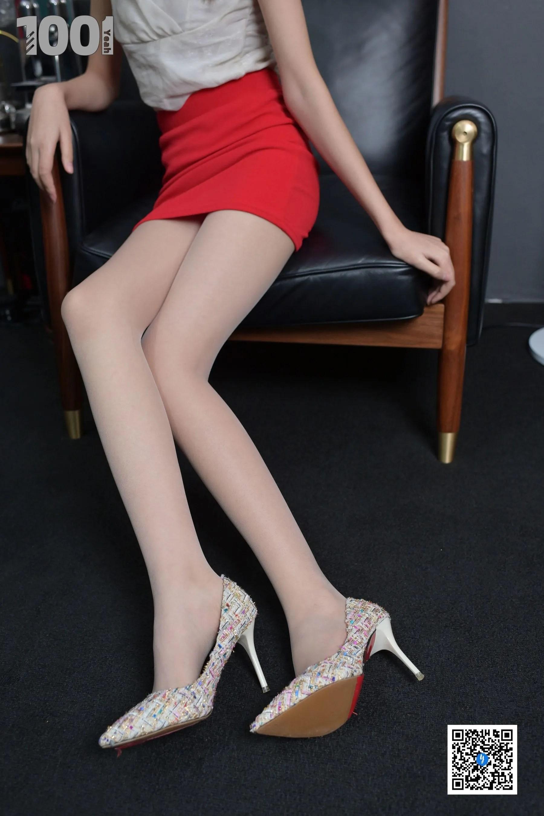 [IESS] NO.187 【一抹红】  丝袜美腿写真[87P]插图(1)