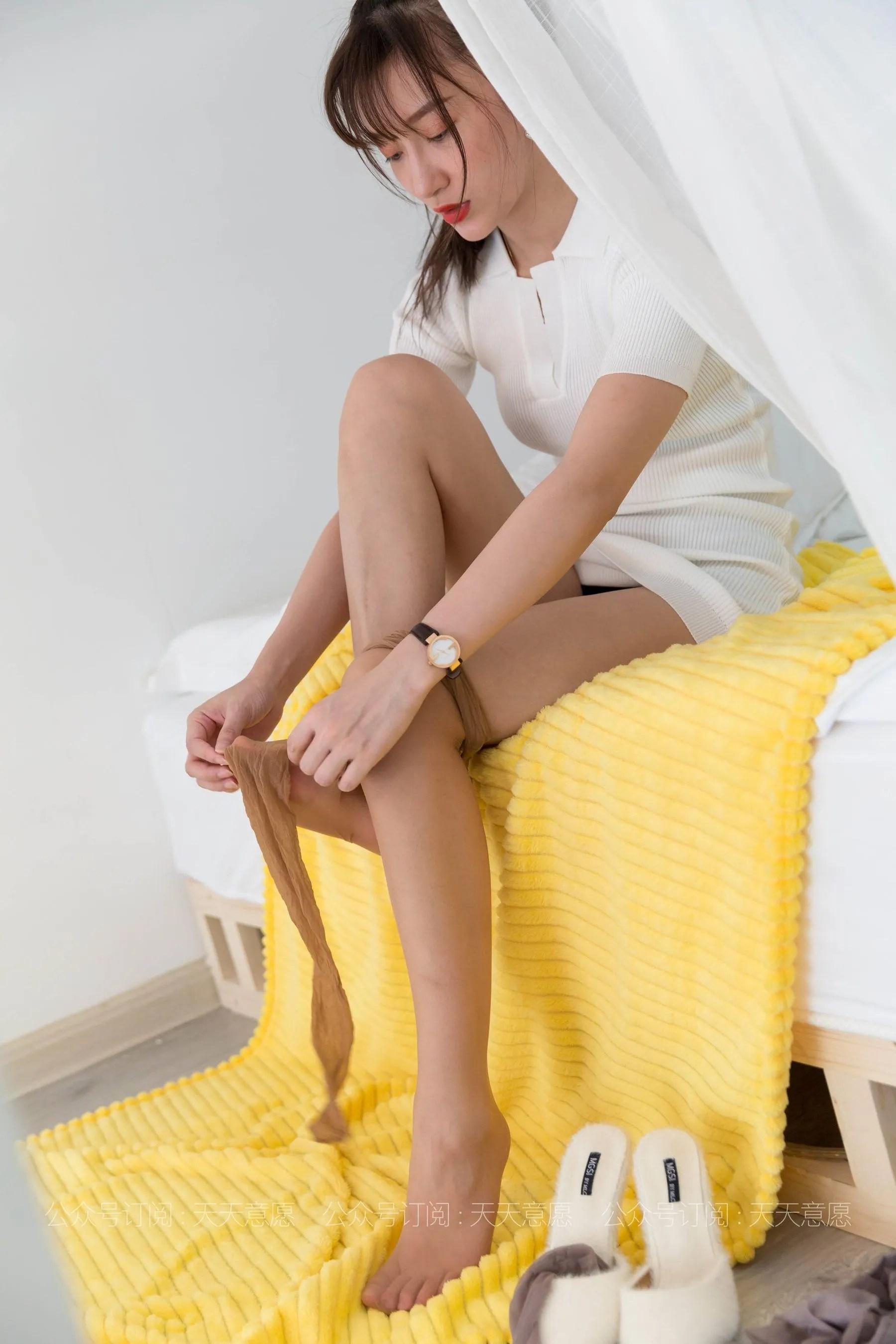 [IESS] 丝享家 767 秋秋《纯欲白短裙》 丝袜美腿写真[91P]插图(6)