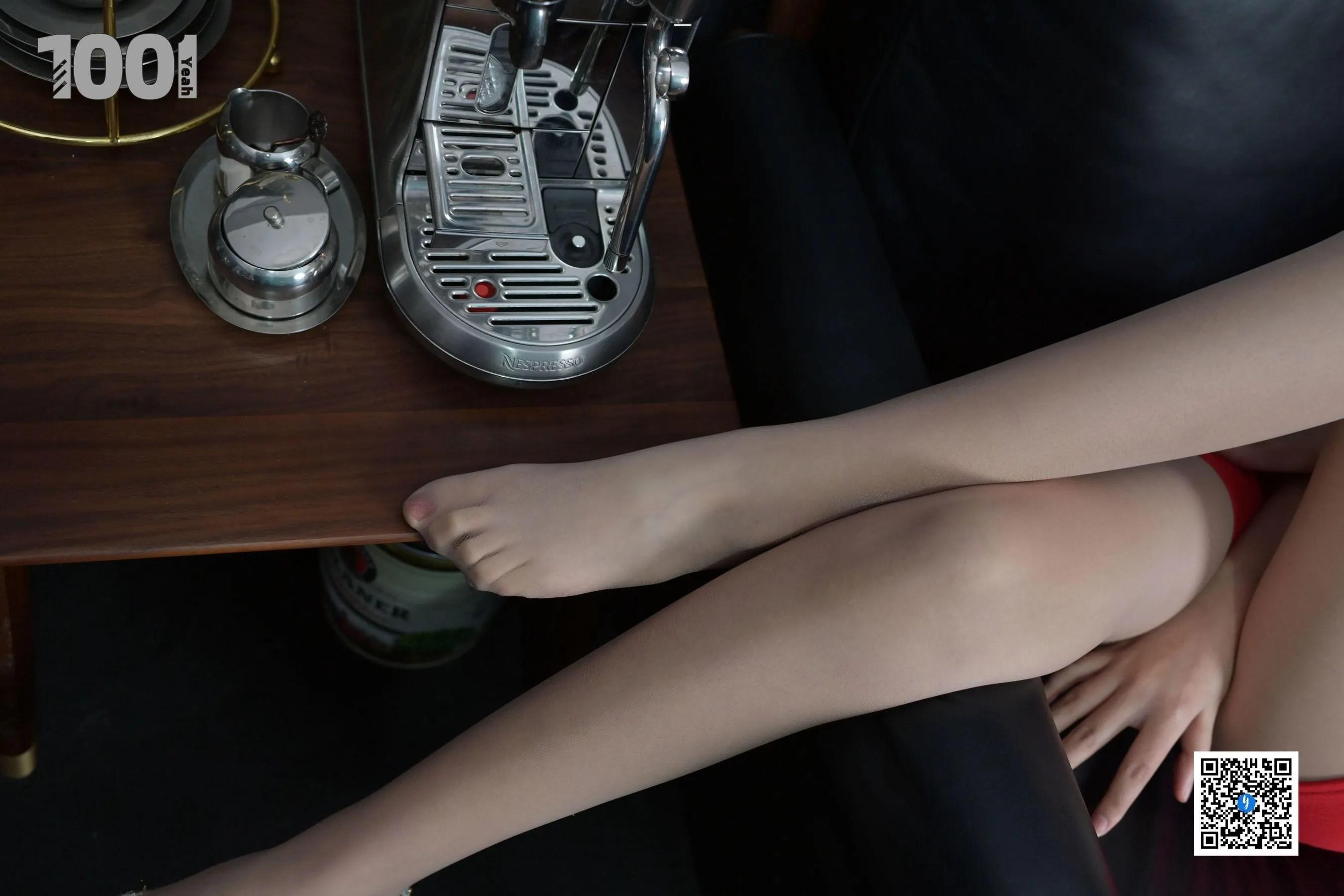 [IESS] NO.188 【一抹红2】 丝足美腿写真[90P]插图(4)