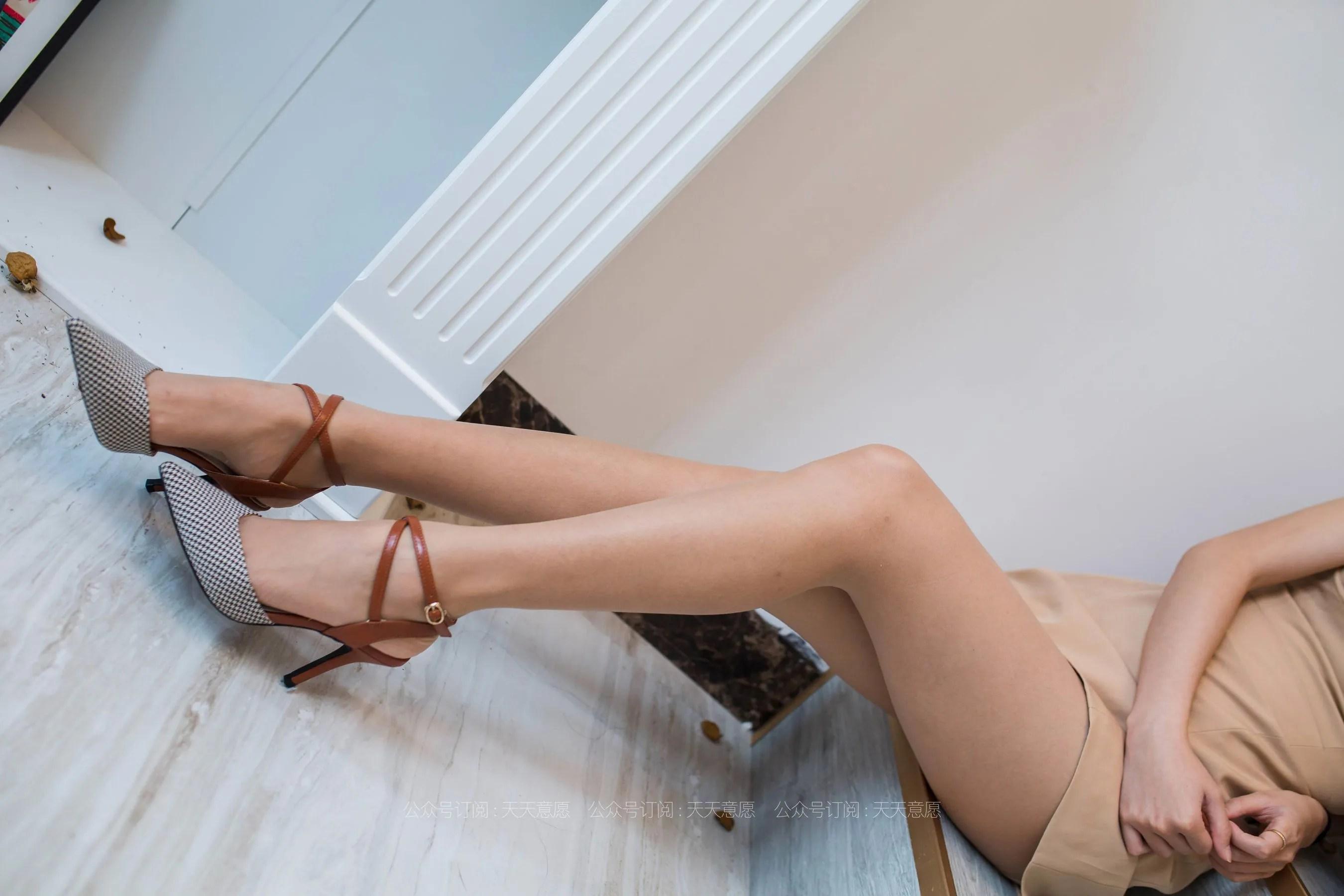 [IESS] 丝享家 770 婉萍《邻家甜美女孩》 丝袜美腿写真[90P]插图(7)