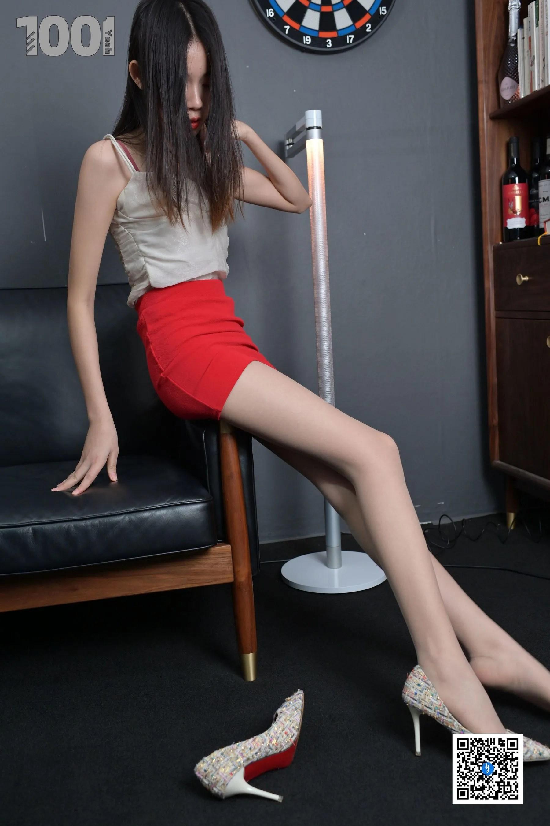 [IESS] NO.189 【一抹红3】  丝足美腿写真[89P]插图(1)