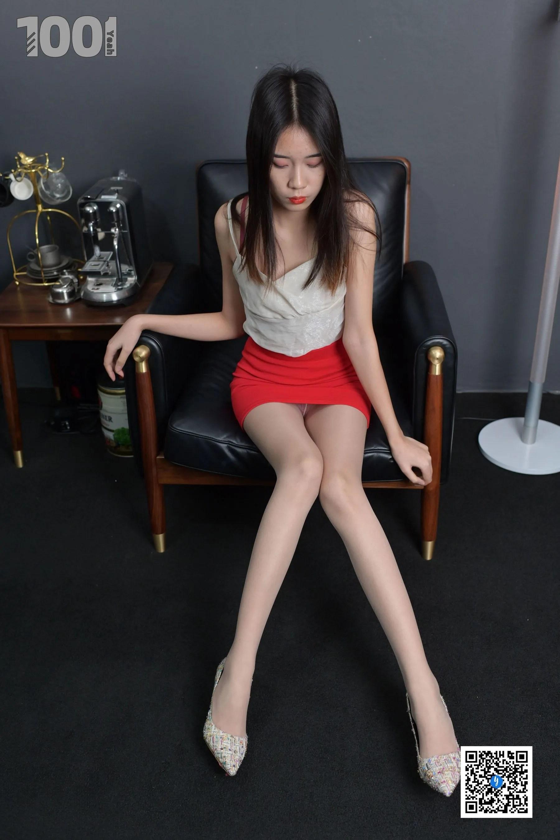 [IESS] NO.187 【一抹红】  丝袜美腿写真[87P]插图(3)