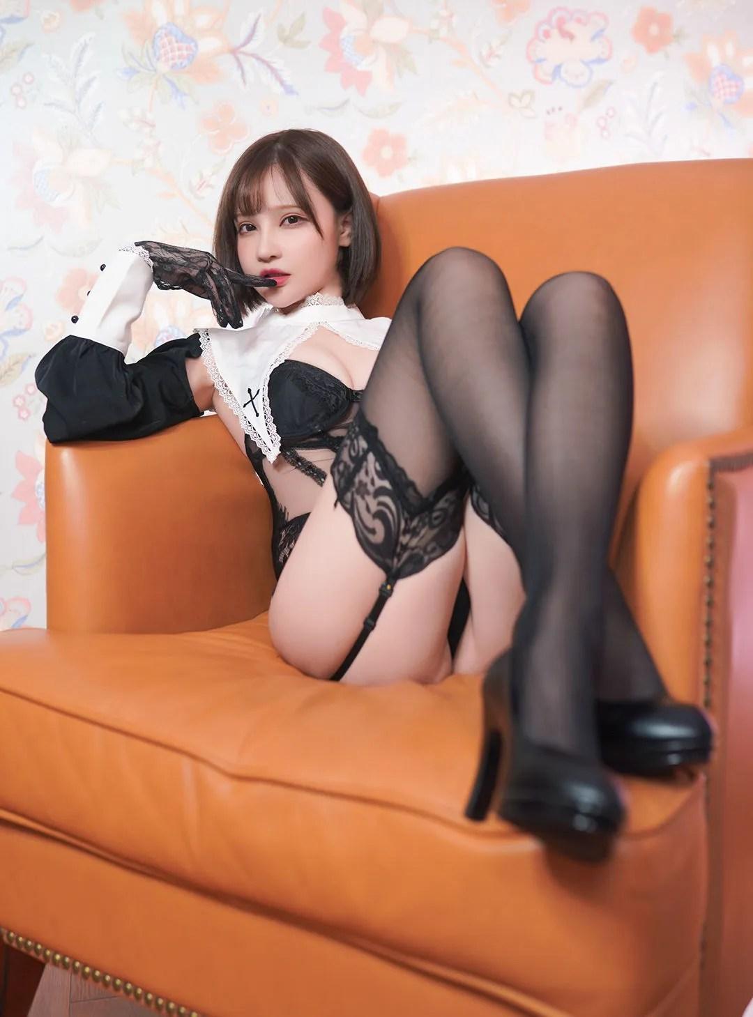 [COS福利] 千夜未来(Senya Miku)- 修道女 写真套图[30P]插图(4)