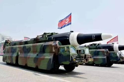 북한의 '화성-12'형 중거리전략탄도미사일 [환구망]