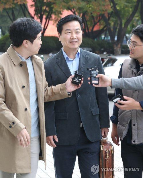 홍종학 중소벤처기업부 후보자 청문회 준비 첫 출근