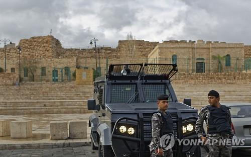 요르단 관광지 일대 총격…캐나다인 등 10명 사망
