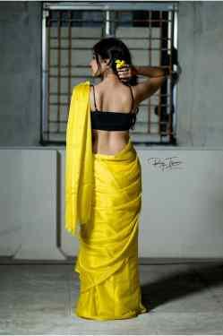 Dharsha Gupta Hot Photos In Yellow Saree 3