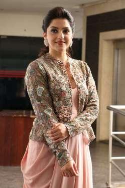 Chanakya Movie Heroine Mehreen Press Meet Photos 3