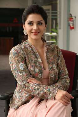 Chanakya Movie Heroine Mehreen Press Meet Photos