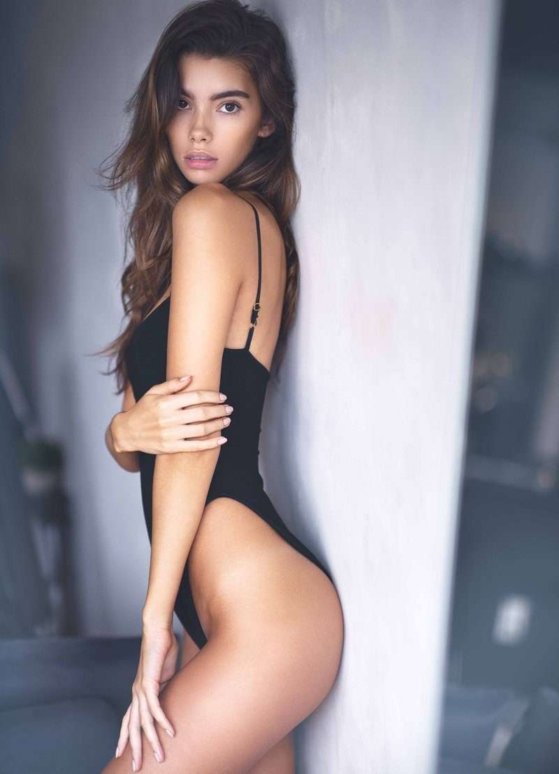 Cindy Mello Hot Photoshoot By Victor Robertof