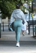Rita Ora Spotted Wearing A Green Gym Wear In Notting Hill 3