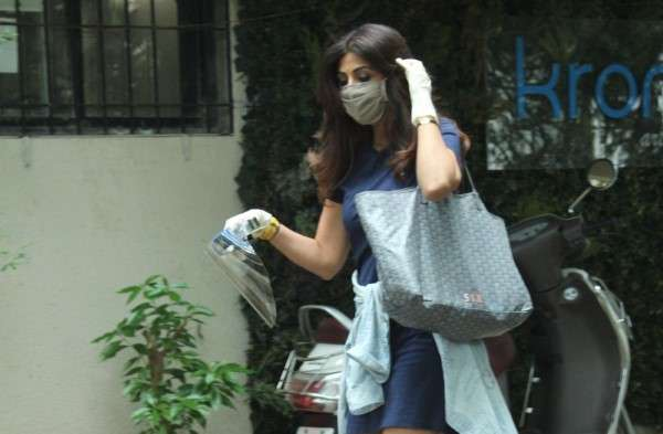 Shilpa Shetty Latest Photos and Images at Kromkay salon in juhu
