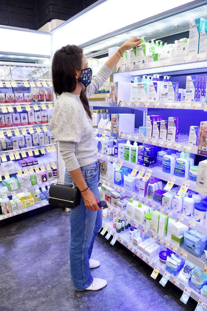 Katie Holmes Is spotted shopping in NYC for CeraVe Hydrating Facial Cleanser