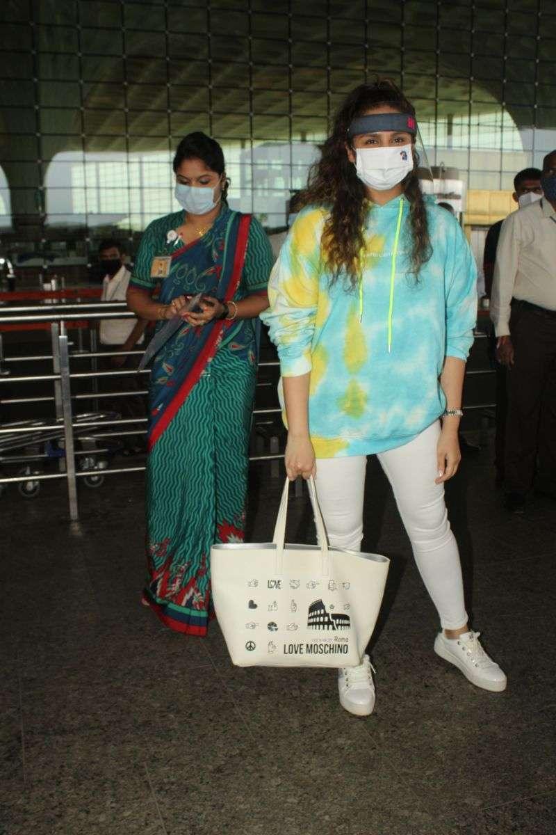 Huma Qureshi Latest Photos at Airport
