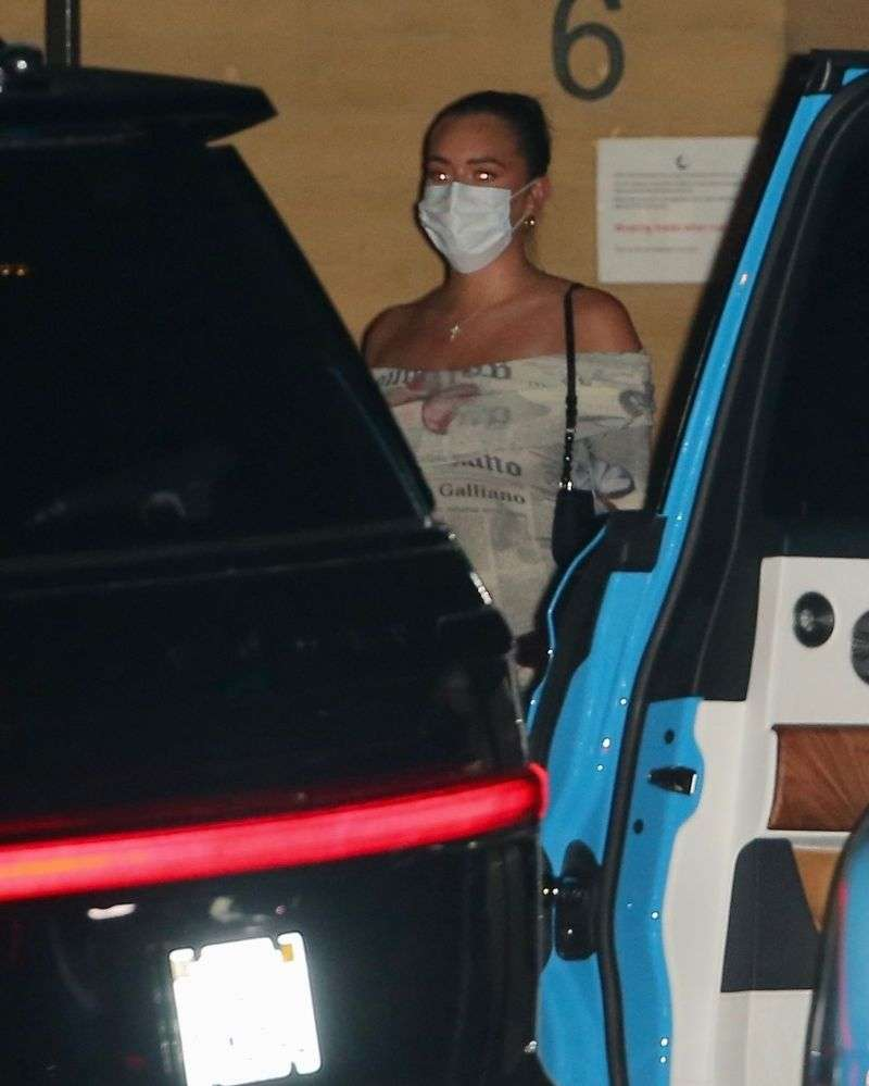 Model Kendall Jenner Latest Hot Photos at Nobu in Malibu