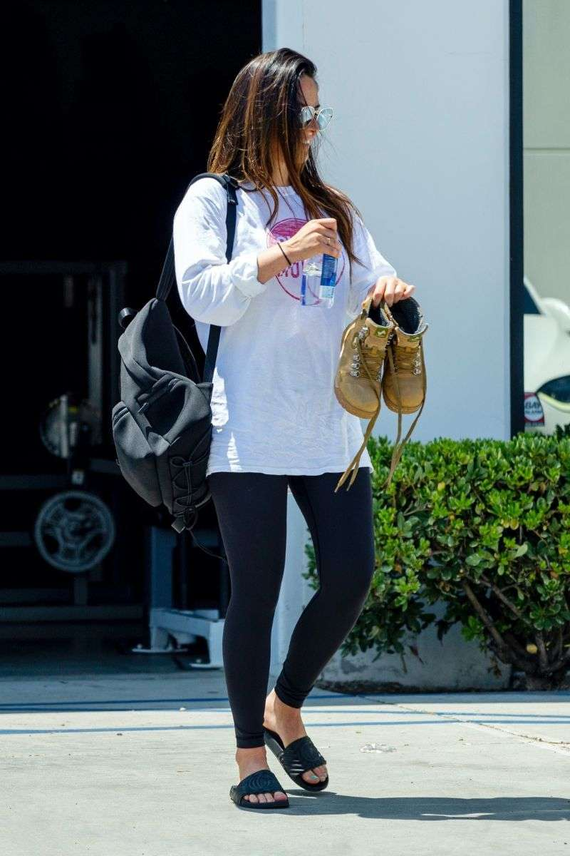 Olivia Munn seen leaving her private gym after a sweaty workout in Los Angeles