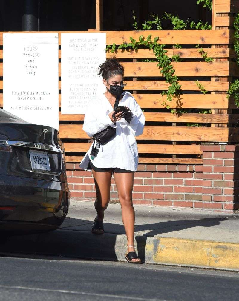 Vanessa Hudgens Is spotted getting take out dinner in Los Angeles