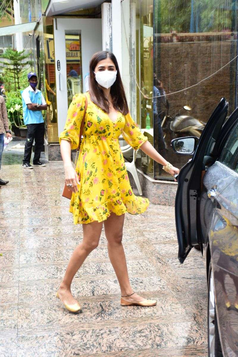 Pooja Hegde Latest Images and Photos At bandra