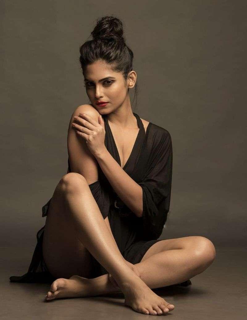 Johar Actress Naina Ganguly Hot Photos HD
