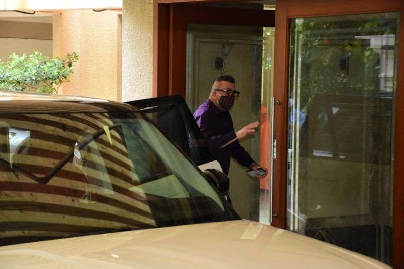 Sanjay Dutt returns home from hospital photos HD