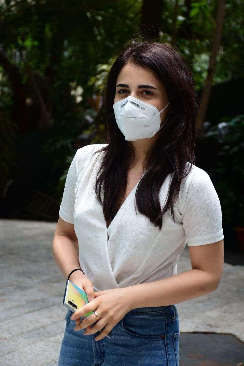 Radhika Madan spotted at Maddock films office in santacruz photos HD