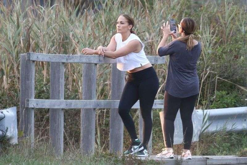 Jennifer Lopez latest photos at beach in Hamptons