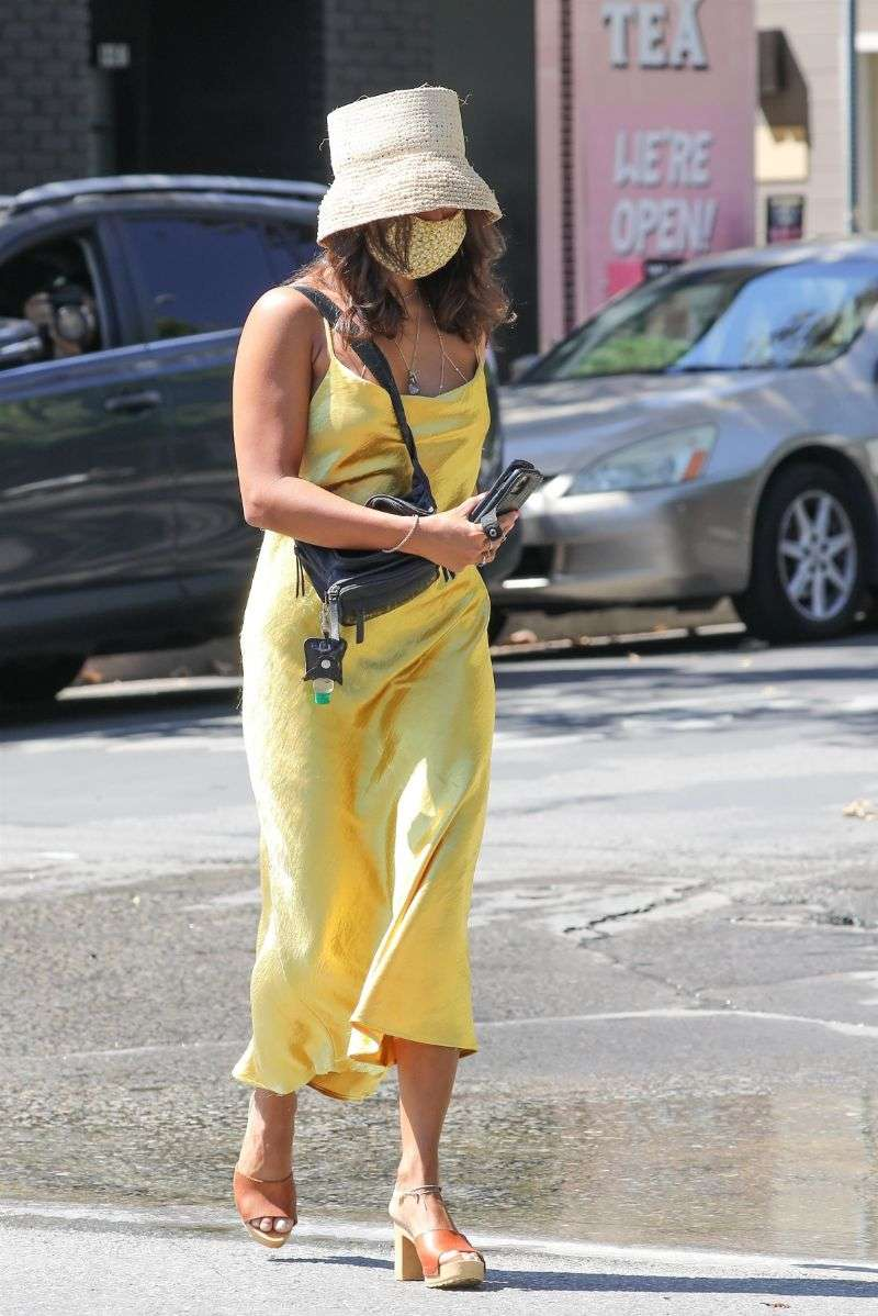 Vanessa Hudgens steps out to run some errands in Los Angeles California