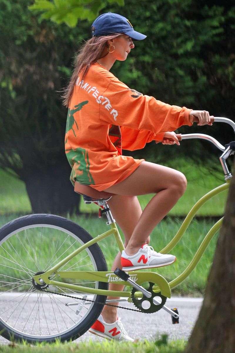 Emily Ratajkowski Bike Ride Photos in The Hamptons HD