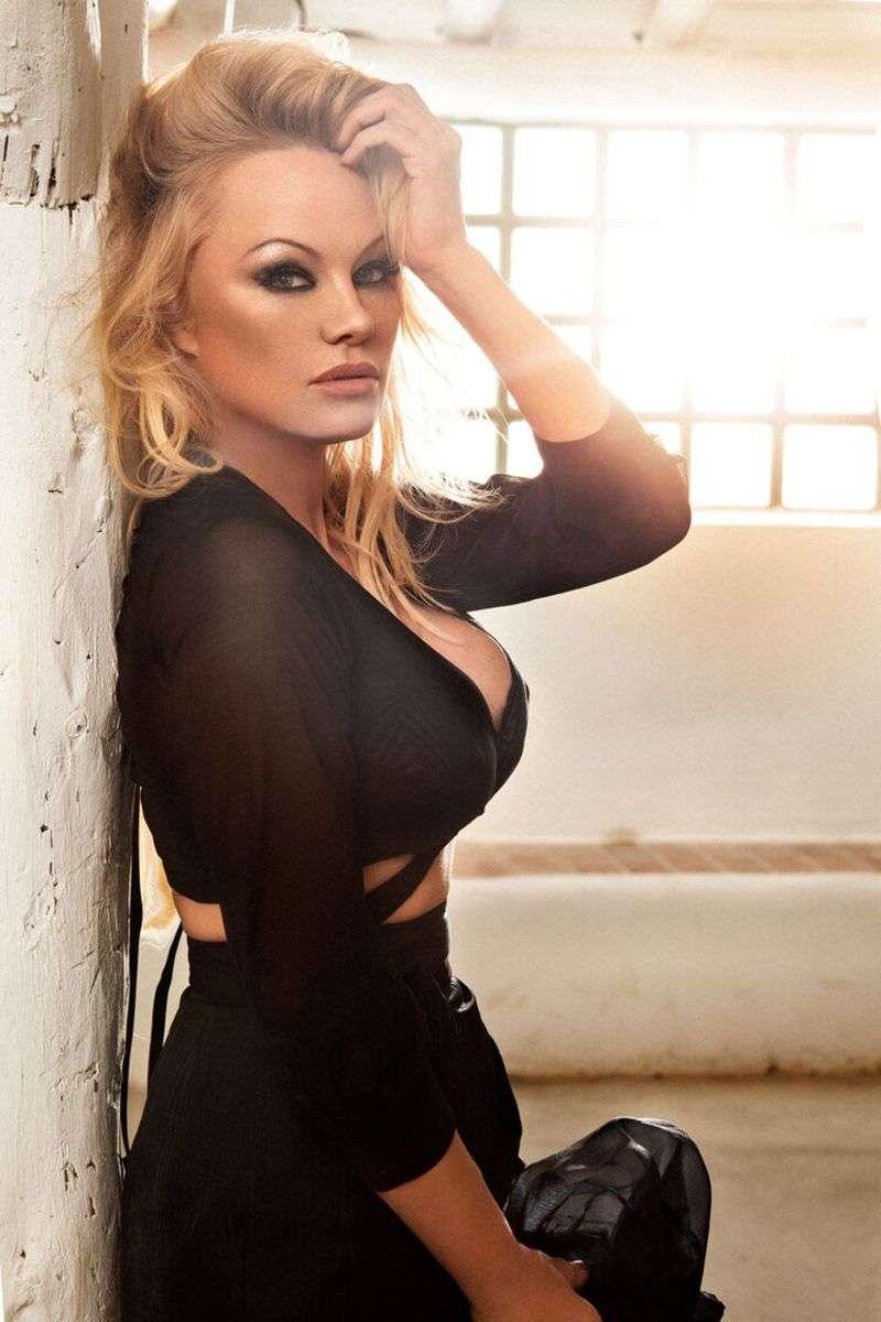 Pamela Anderson Hot PhotoShoot For Carmelo Redondo HD