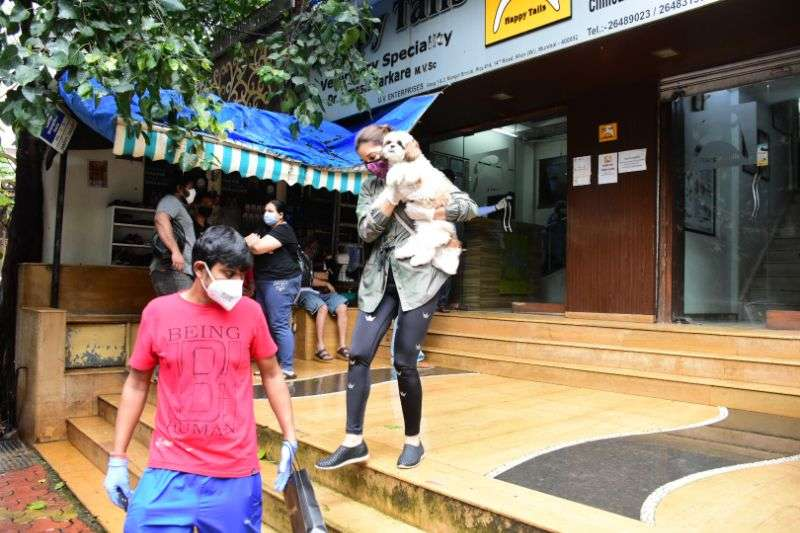 Sophie Chowdhary Latest Photos at pet shop in bandra HD
