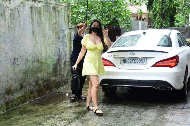 Nora Fatehi Hot Pics In Yellow At Bandra HD