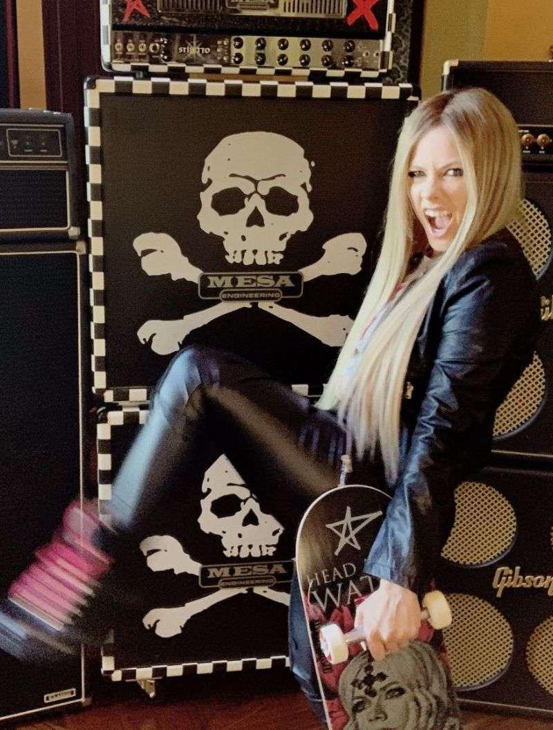 Avril Lavigne Hot PhotoShoot For Nylon magazine 2020 HD