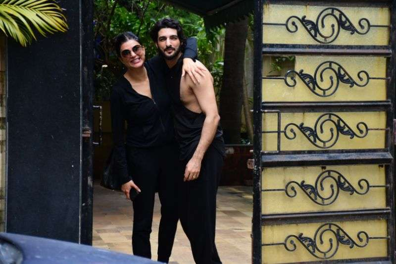 Sushmita Sen Hot Photos With Her Bf Rohman Shawl At bandra HD