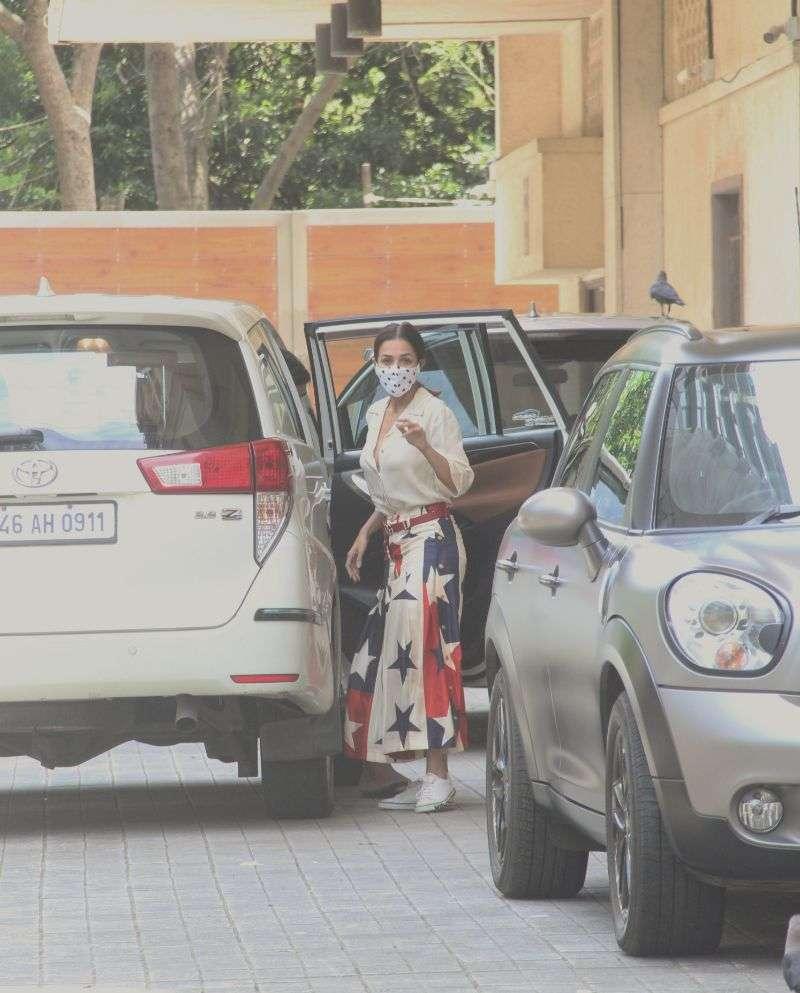 Kareena Kapoor, Taimur & Malaika Arora Photos At Amrita Arora's house in bandra HD