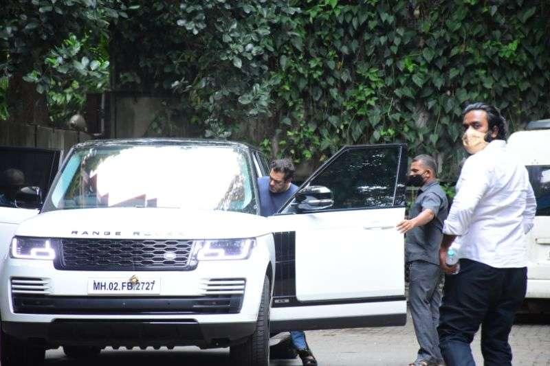Salman Khan Latest Pics at bandra HD