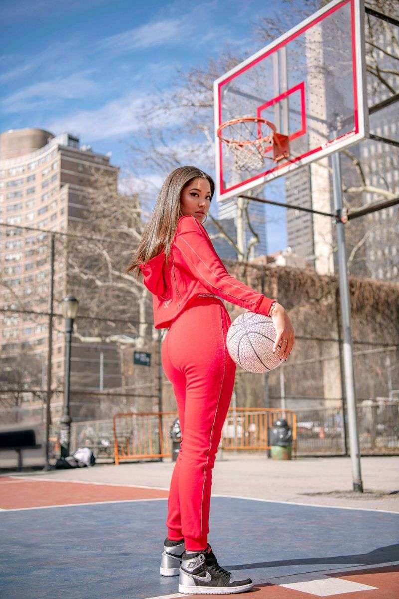 Kimora Lee Simmons launches a collection in collaboration with the Foot Locker chain of stores HD