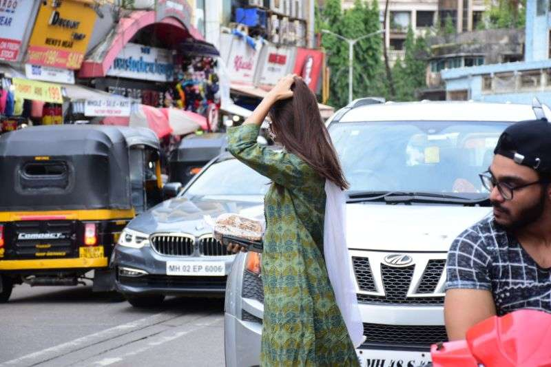 Pooja Hegde Cute Photos at bandra HD