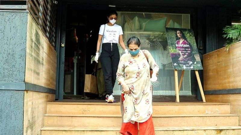 Shilpa Shetty Latest Photos on Black and White At juhu HD