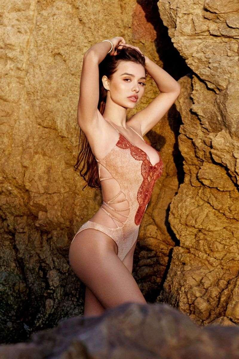 Sophie Mudd Hot Kris Lou photoshoot HD