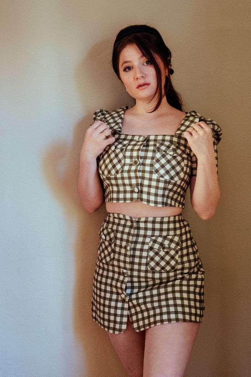 Emma Kenney - Samantha Annis photoshoot HD Pics 2020
