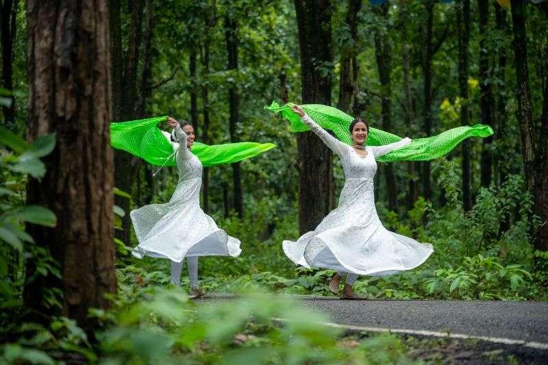 Actress Lavanya Tripathi recreates the legendary 'Kannanule