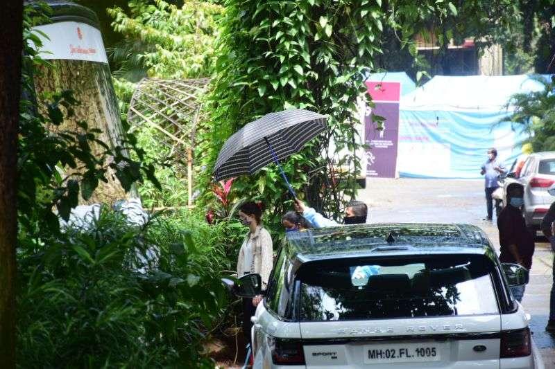 Ananya Pandey Hot Pics at Mehboob Studio in bandra HD