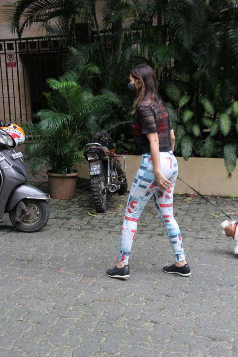 Sophie Chowdhary spotted at bandra HD