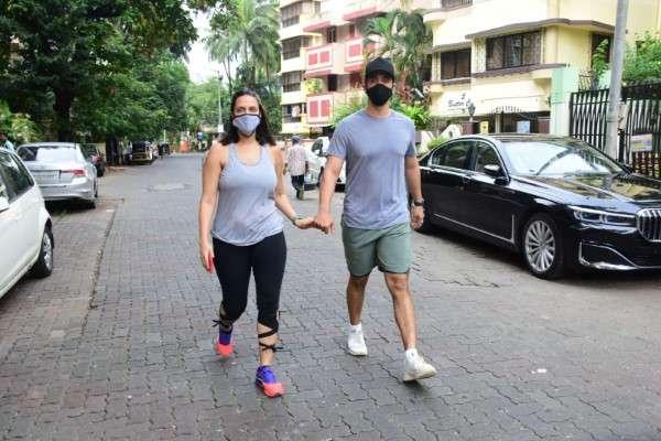 Neha Dhupia & Angad Bedi spotted at bandra HD photos