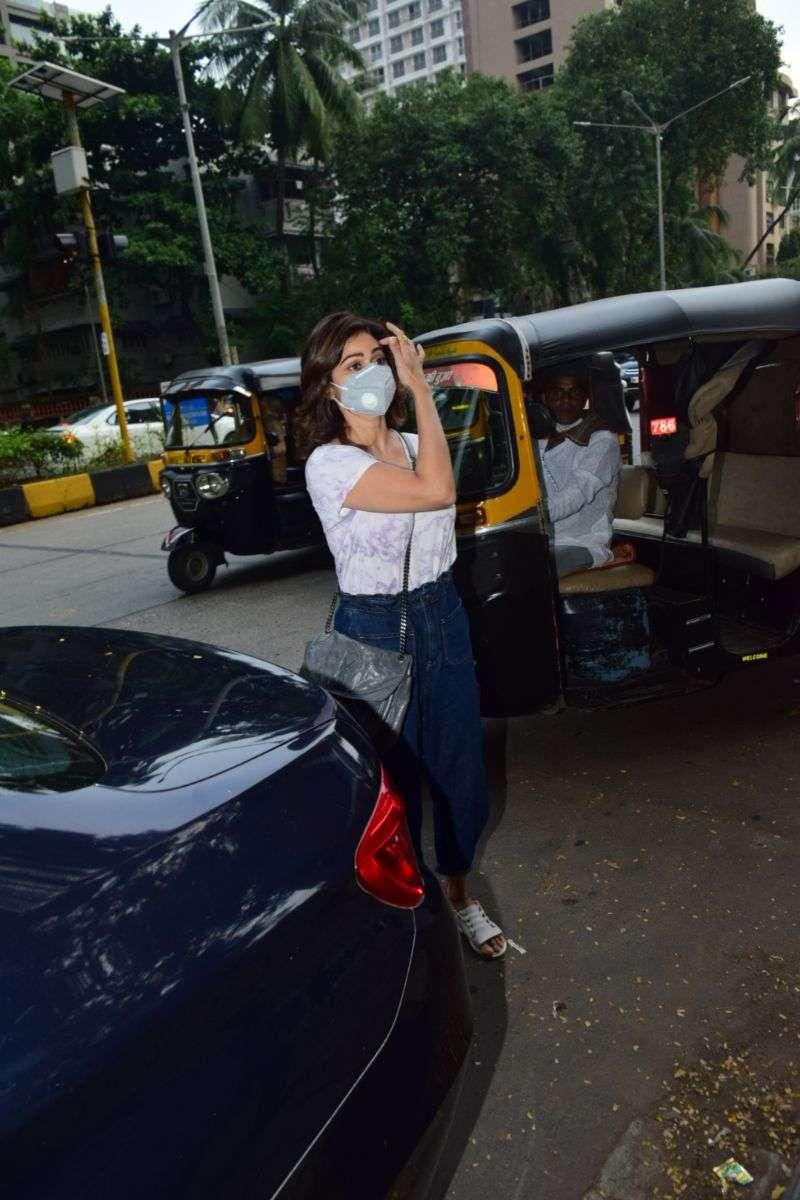 Shamita Shetty Photos at Kromakay salon in juhu HD