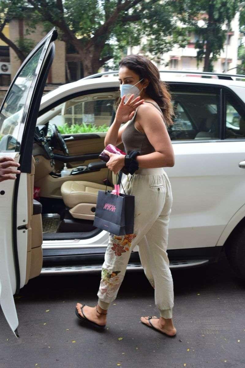 Rakul Preet Singh Hot Pics at bandra HD